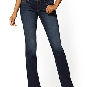 NY & CO Curvy Low Rise Bootcut Jeans